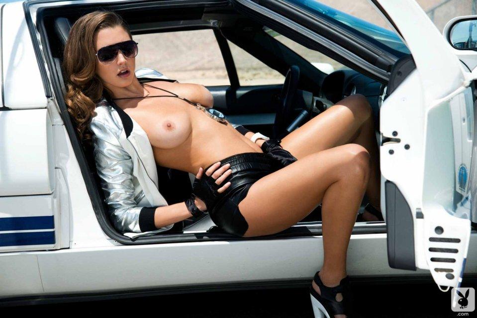 голые девушки в рекламе авто