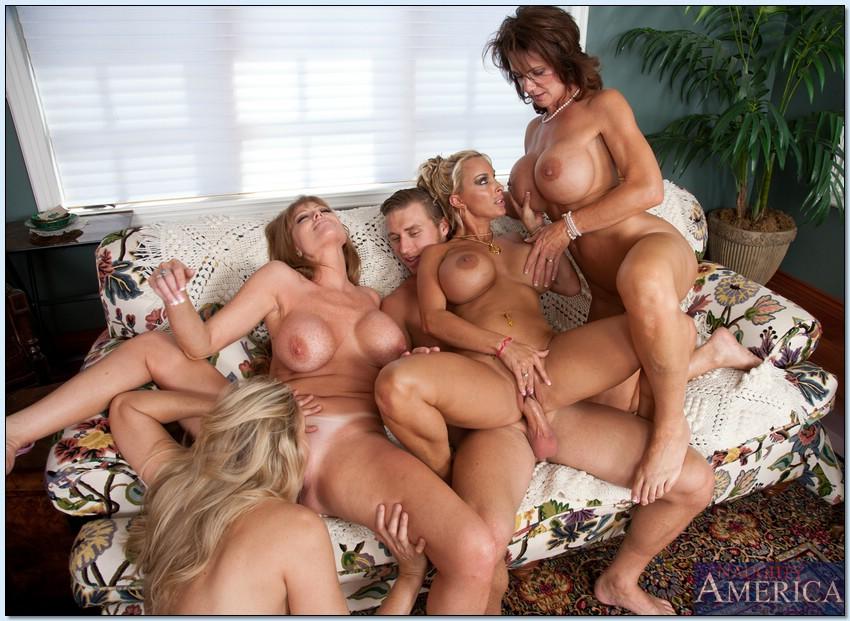 Большие мамочки групповушка