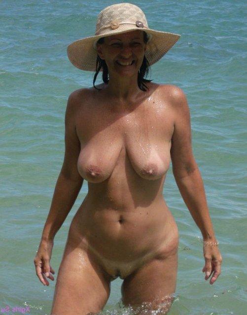 Девушки на пляже хотят секса