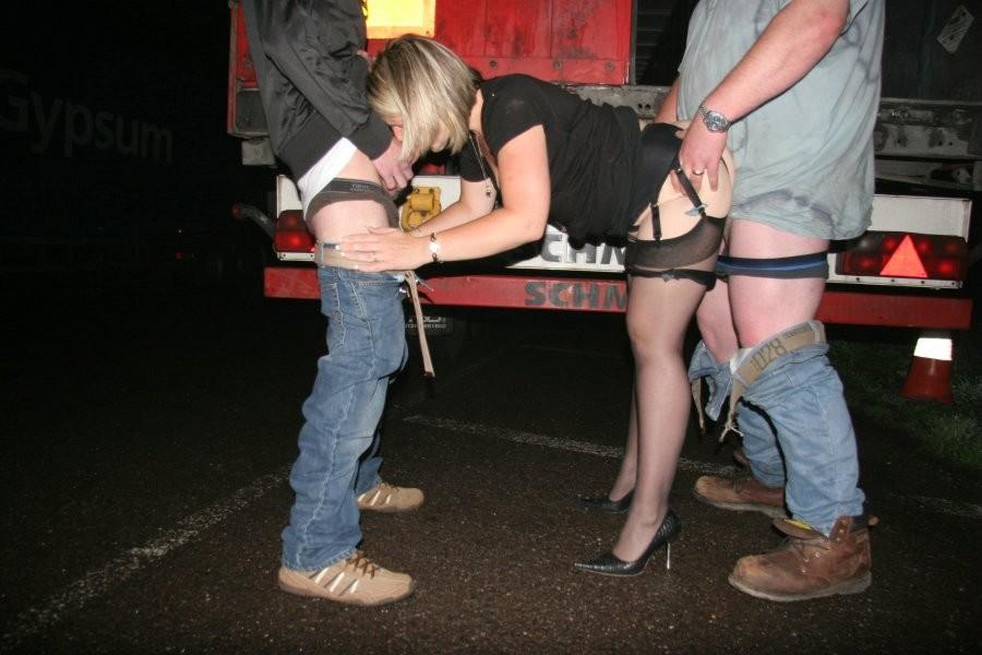 Смотреть порно на улице пьяная девушка ее выебали беше