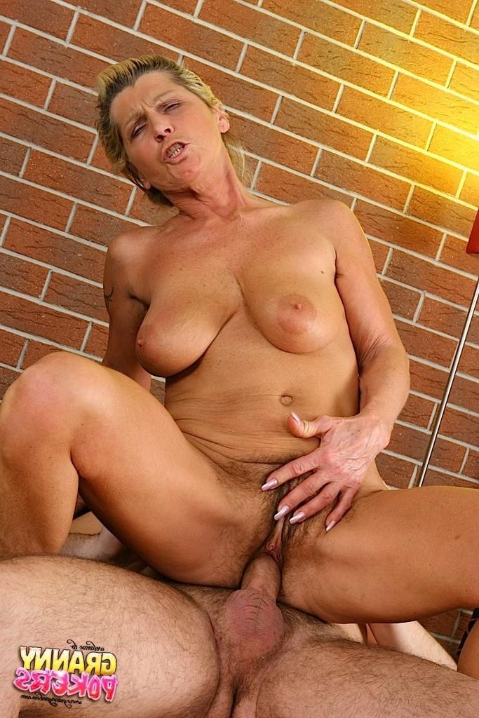 Волосатая блондинки в сперме фото — pic 15