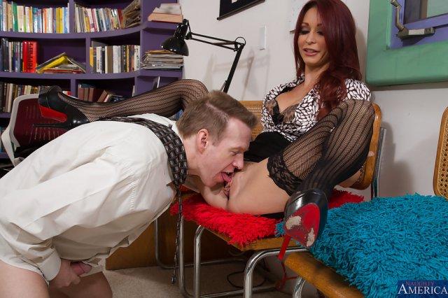 Порно фото куни в офисе