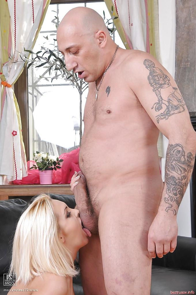 секс лысого мужика с женщиной с пенисом