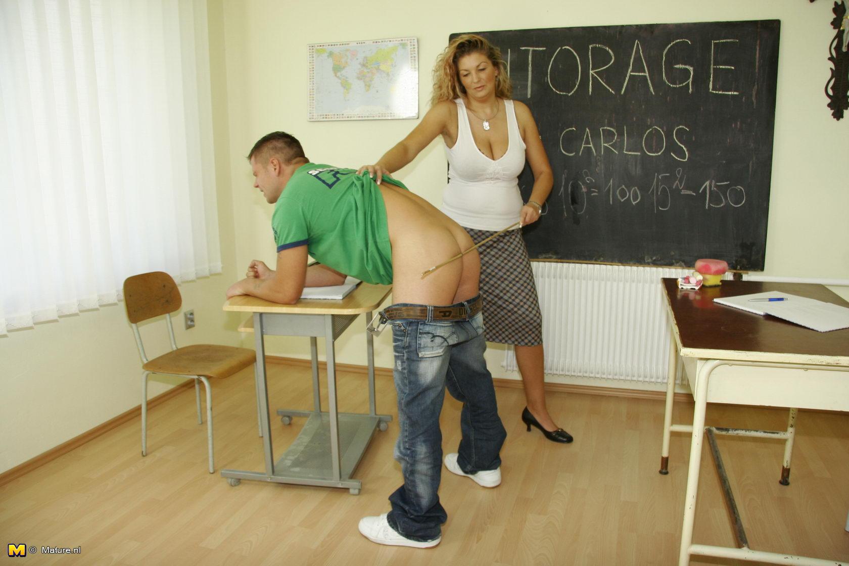 Учительница наказала студента, Училка Наказала Студентку - Видео Pornable 6 фотография